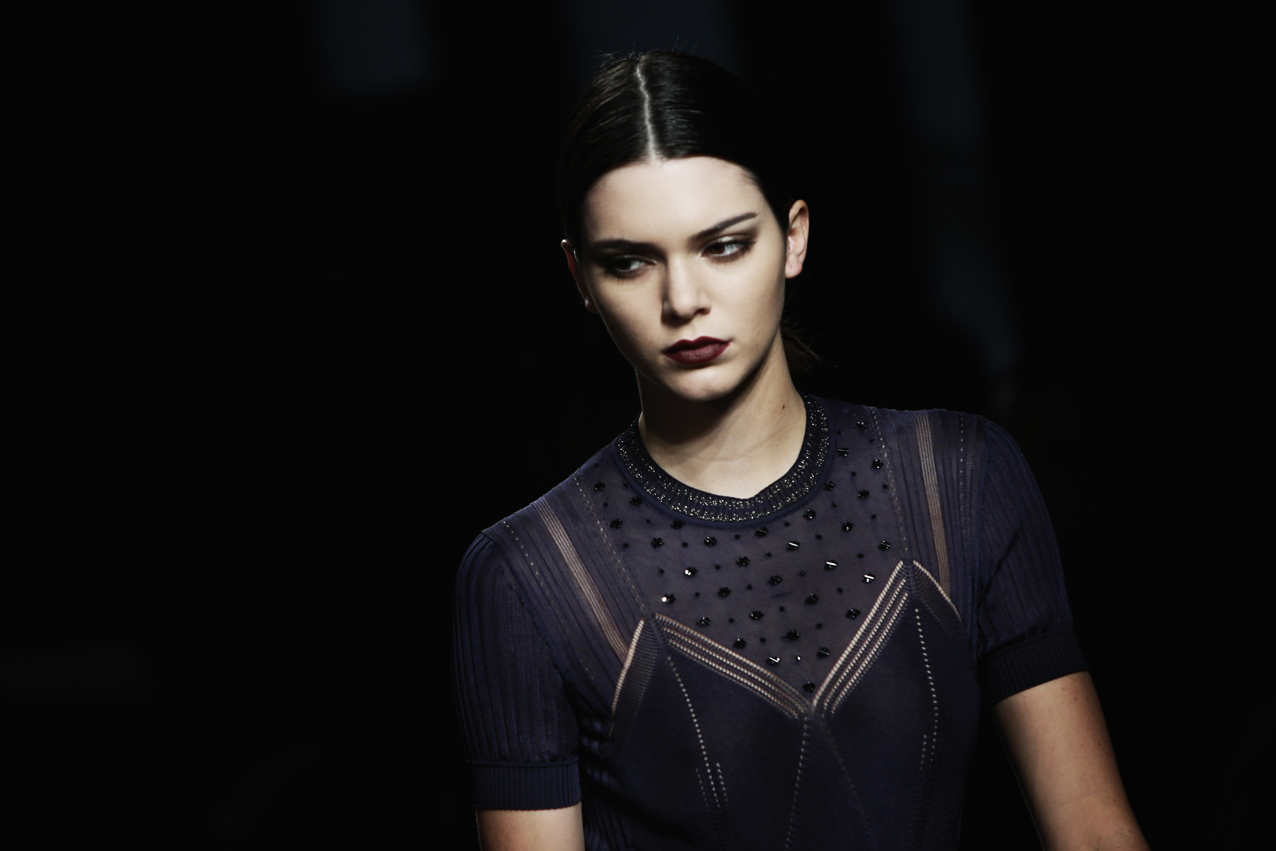 MILAN, ITALY - FEBRUARY 27:  (EDITORS NOTE: Image has been desaturated.) Kendall Jenner walks the runway at the Bottega Veneta show during Milan Fashion Week Fall/Winter 2016/17 on February 27, 2016 in Milan, Italy.  (Photo by Vittorio Zunino Celotto/Getty Images)