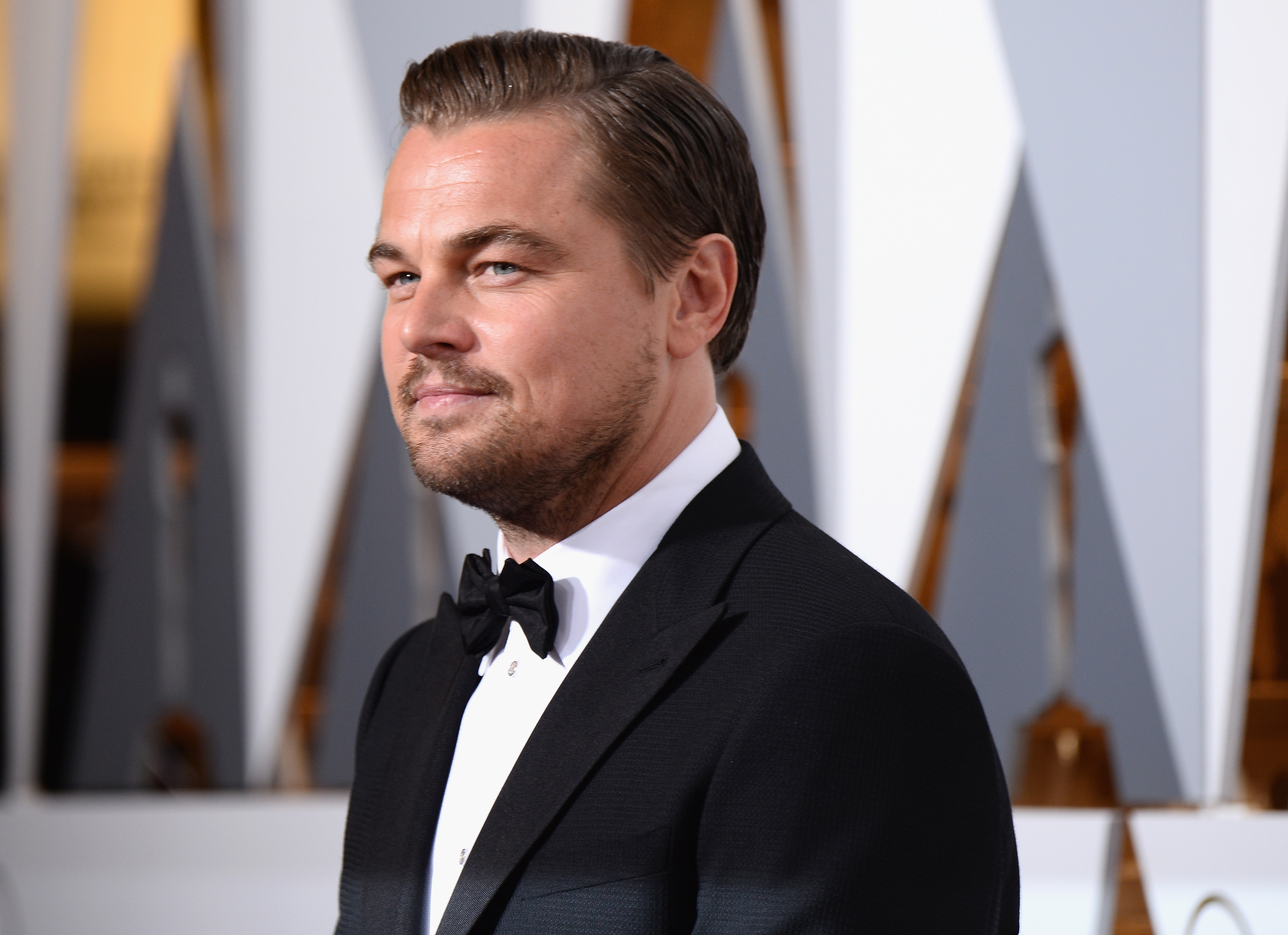 HOLLYWOOD, CA - FEBRUARY 28: Actor Leonardo DiCaprio attends the 88th Annual Academy Awards at Hollywood & Highland Center on February 28, 2016 in Hollywood, California. (Photo by Frazer Harrison/Getty Images)