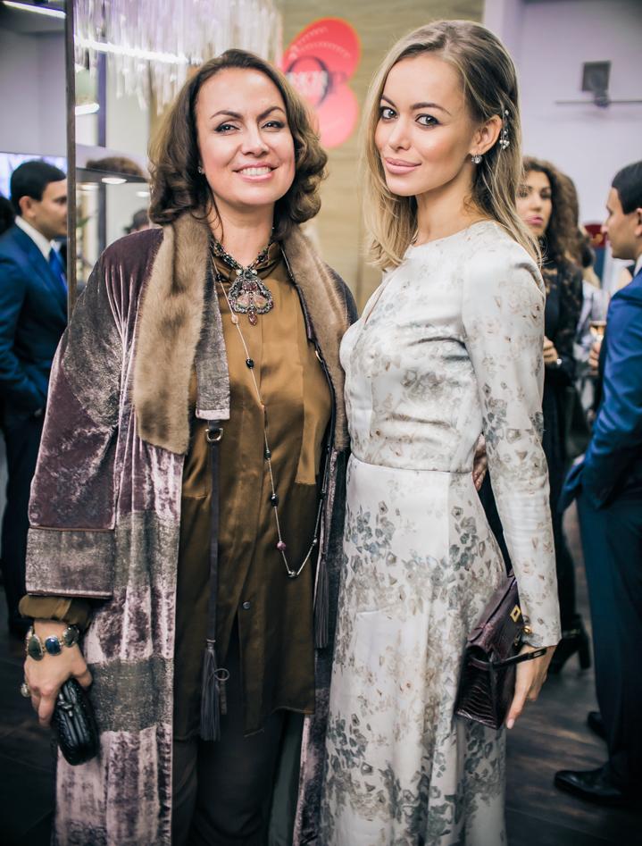Лина Курбанова и Анастасия Романцова