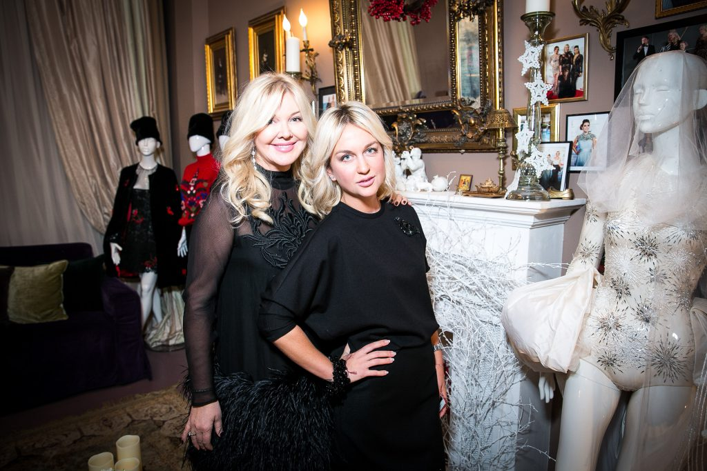 Юлия и Дарья Янина