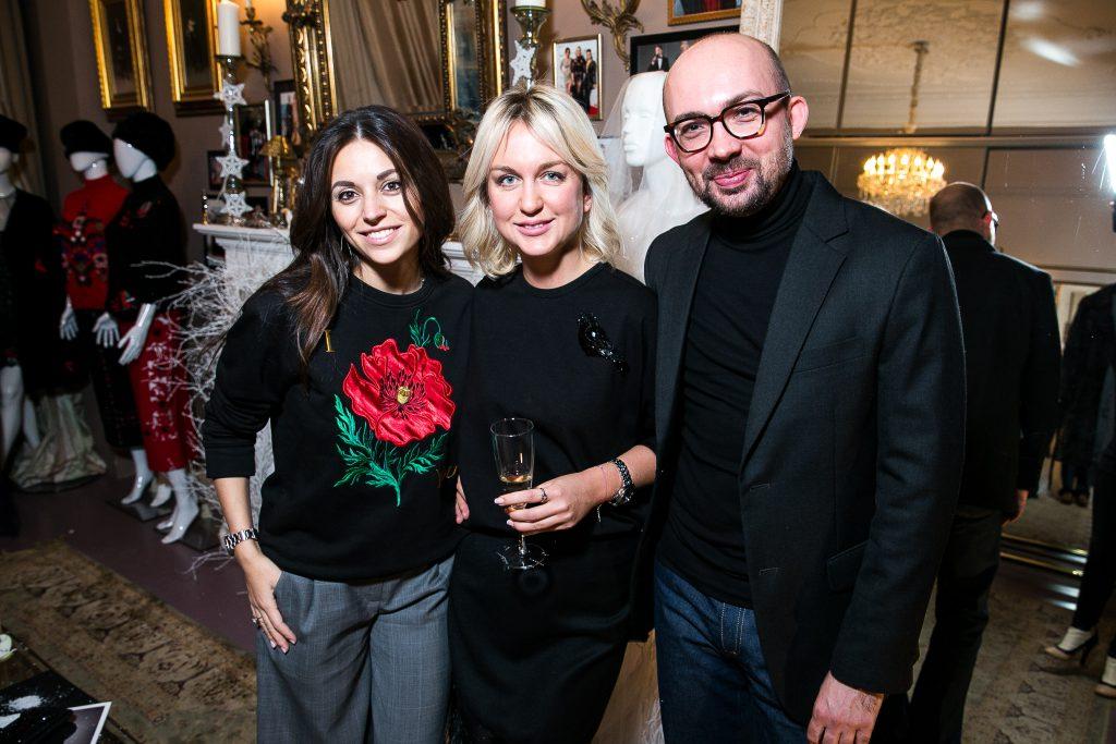 Яна Валенсия, Дарья Янина и Виталий Козак