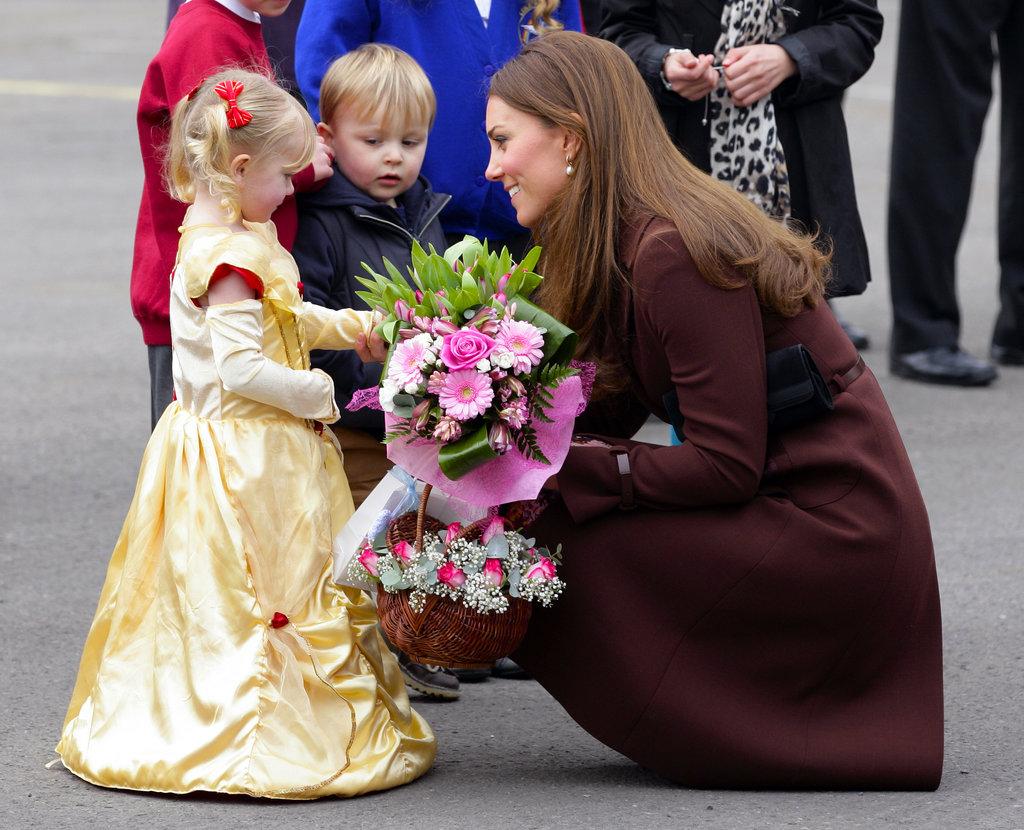 Какая девочка не мечтает стать принцессой? И как же можно не влюбиться в Кейт Миддлтон (33), если она сама - живая Золушка?