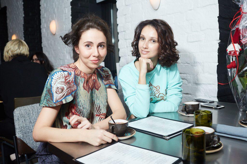 Регина Апакина и Анастасия Цветаева