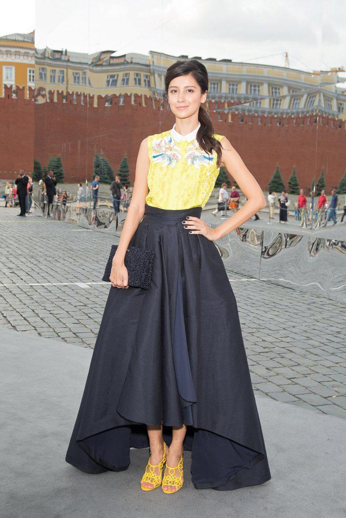 Актриса Равшана Куркова (35), 180 см