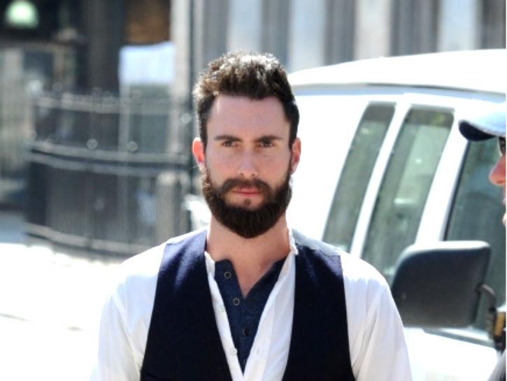 Солист группы Maroon 5 Адам Левин страдал от синдрома дефицита внимания и гиперактивности: «Когда мне впервые диагностировали синдром дефицита внимания и гиперактивности, я не был удивлен, ведь мне было сложно сосредотачиваться на чем-либо в средней школе. Да и сейчас, мне кажется, люди ежедневно замечают мой СДВГ. Когда не могу сосредоточить внимание, значит, на самом деле не могу».