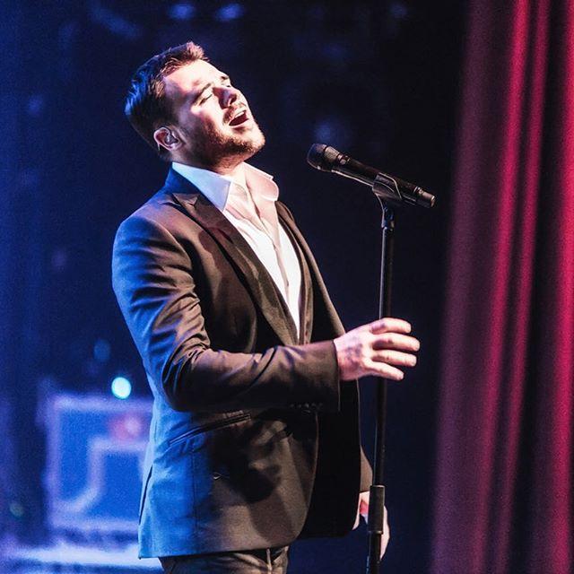 Эмин давал концерт в Дубае