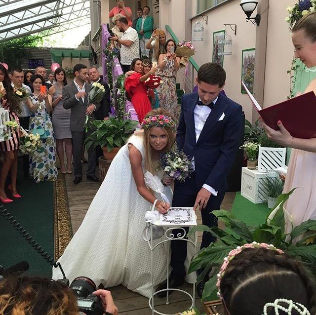 формат идеально свадебное платье даны борисовой фото отыскала