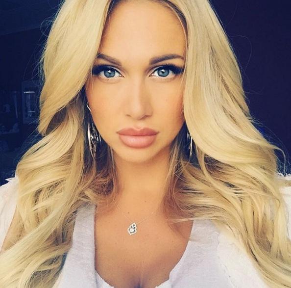 Модель, телеведущая Виктория Лопырева, 32