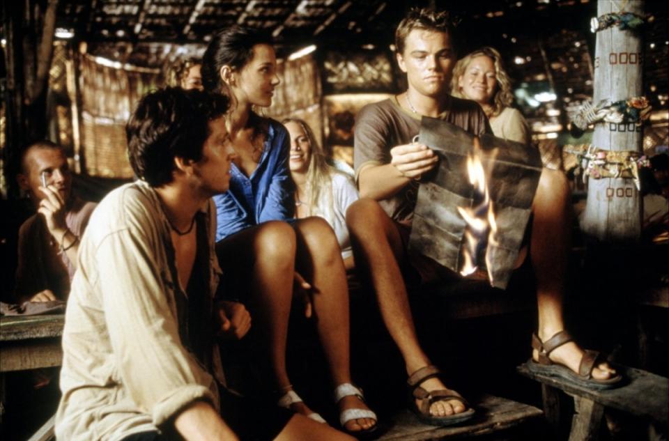 «Пляж», 2000