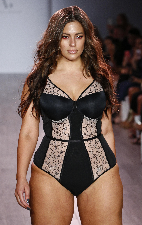 вполне может дефиле толстушек в нижнем белье незаметно
