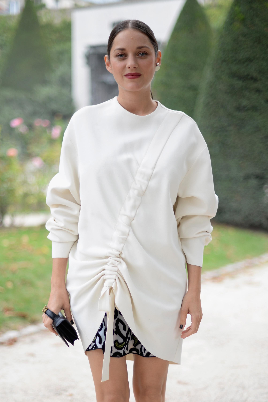 Christian Dior : Street Style - Paris Fashion Week Womenswear Spring/Summer 2017