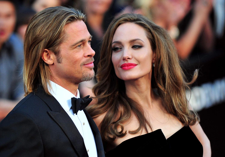 Brad Pitt y Angelina Jolie llegan a la alfombra roja de los Premios de la Academia 84 ª en el centro de Hollywood y las montañas en la sección Hollywood de Los Angeles en febrero 26, 2012. UPI / Kevin Dietsch