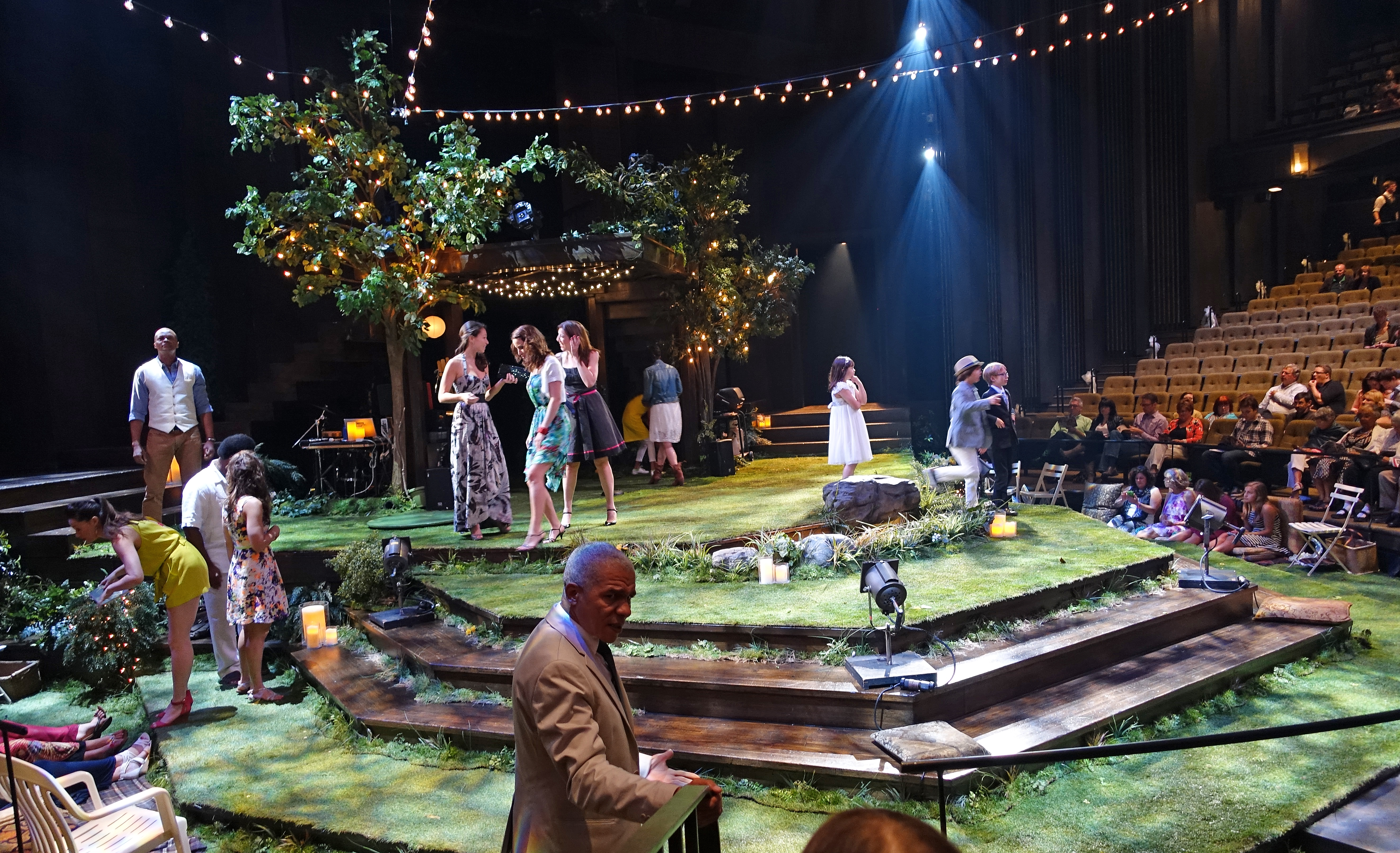 midsummer-stage