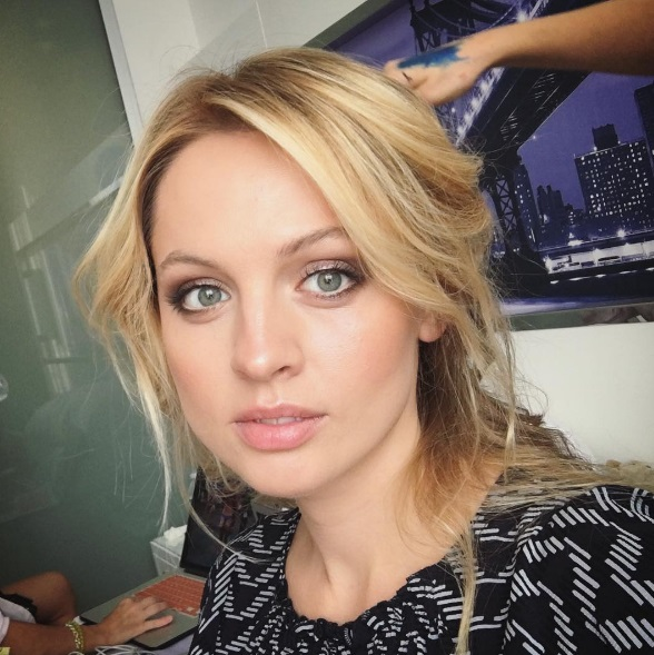 "Янина Студилина снималась для журнала ""ЦУМ"" в Нью-Йорке"
