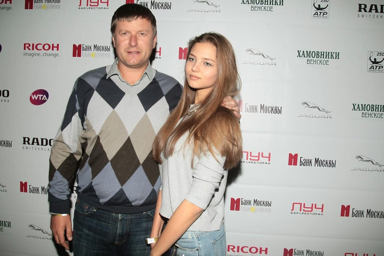 evgeniy-kafelnikov-s-docheryu-3