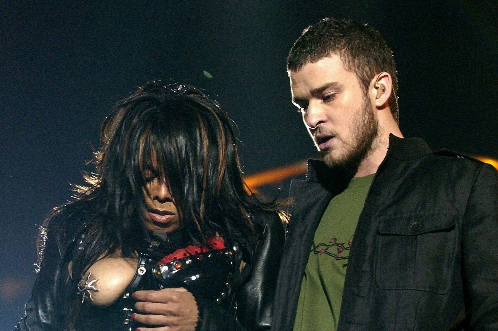Легендарное выступление Джанет Джексон и Джастина Тимберлейка на Super Bowl XXXVIII