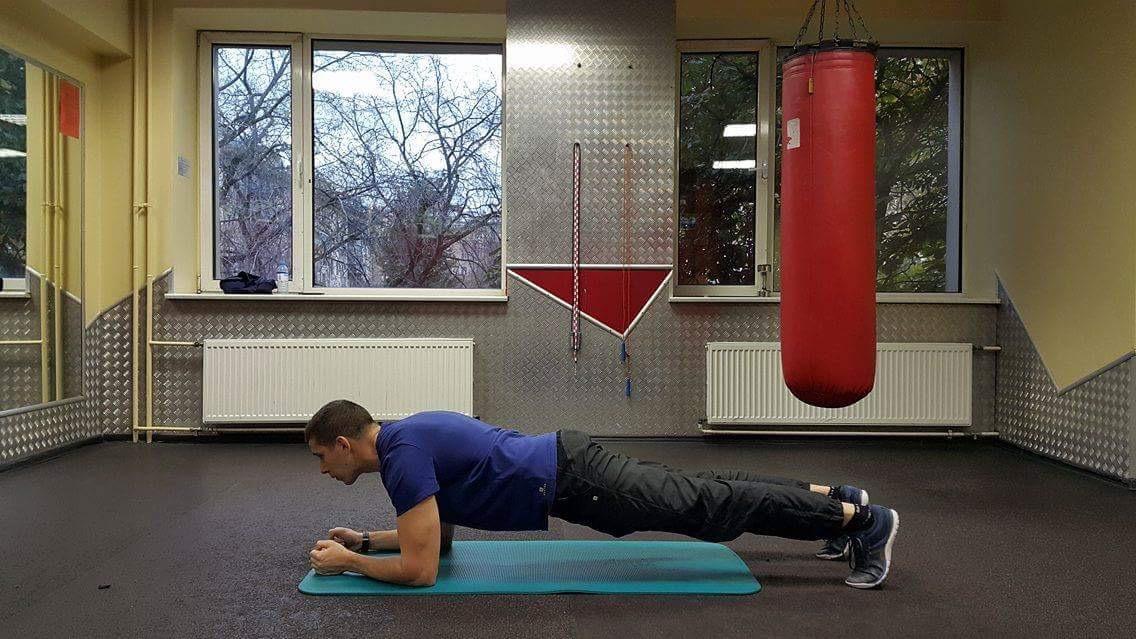 Как похудеть лежа на валике 28