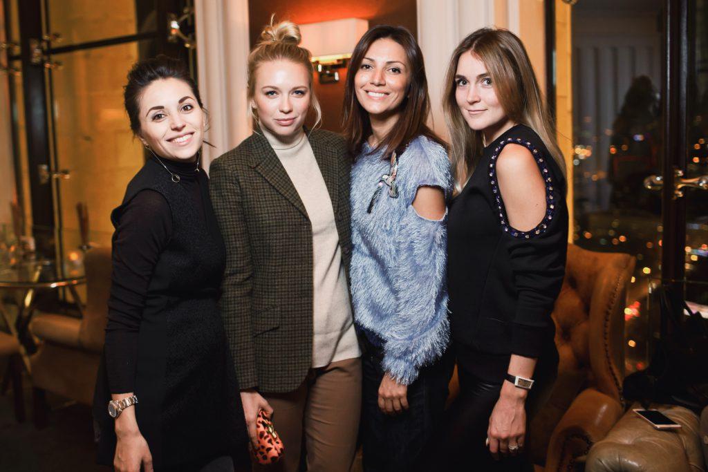 Яна Валенсия, Анжелика Тиманина, Карина Ошроева и Алина Топалова