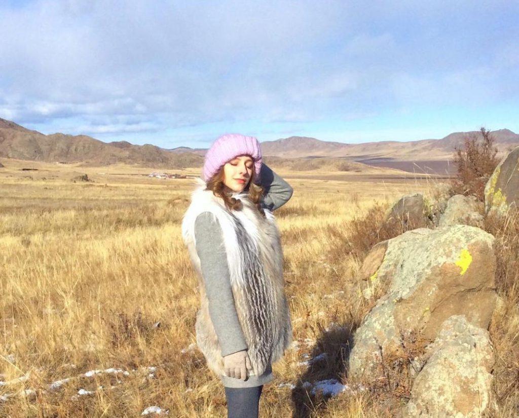 Лиза Арзамасова путешествует по Монголии