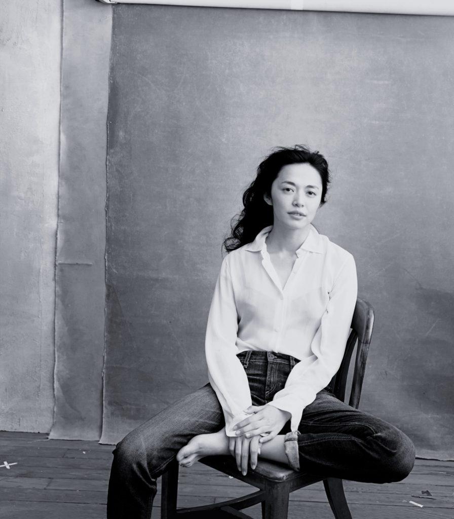 Обложка - Яо Чэнь - актриса и патрон Управления верховного комиссара ООН по делам беженцев в Китае