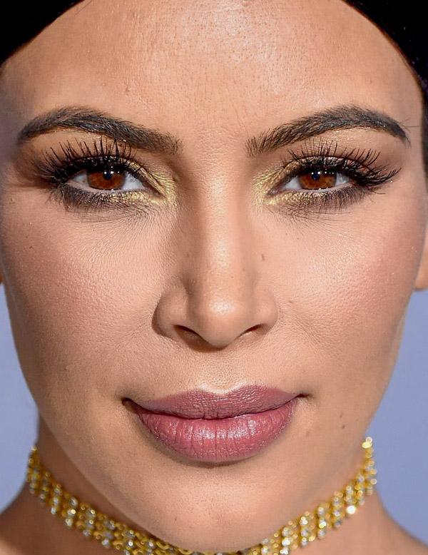 Телезвезда Ким Кардашьян, 35
