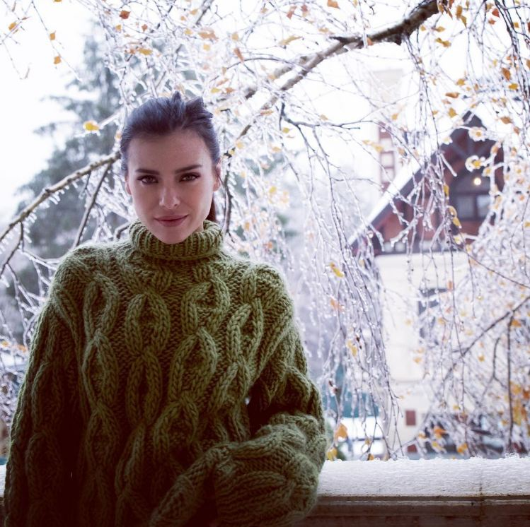 Лена Темникова отдыхала за городом