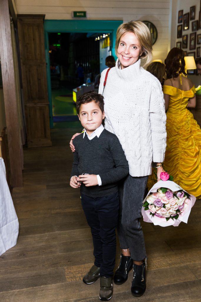 Виктория Манасир с сыном