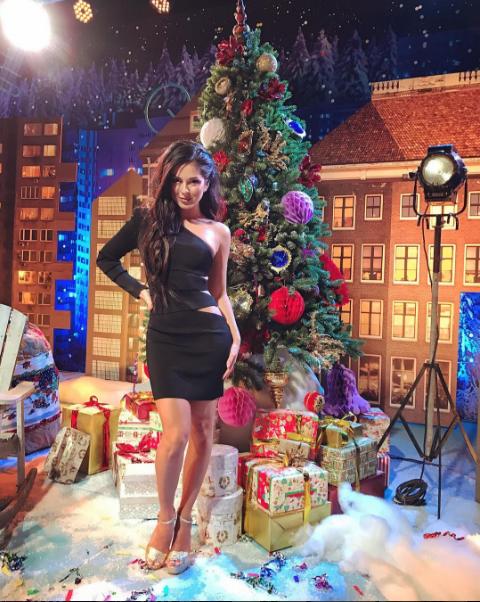 Певица Нюша готовилась к съемке новогоднего выпуска