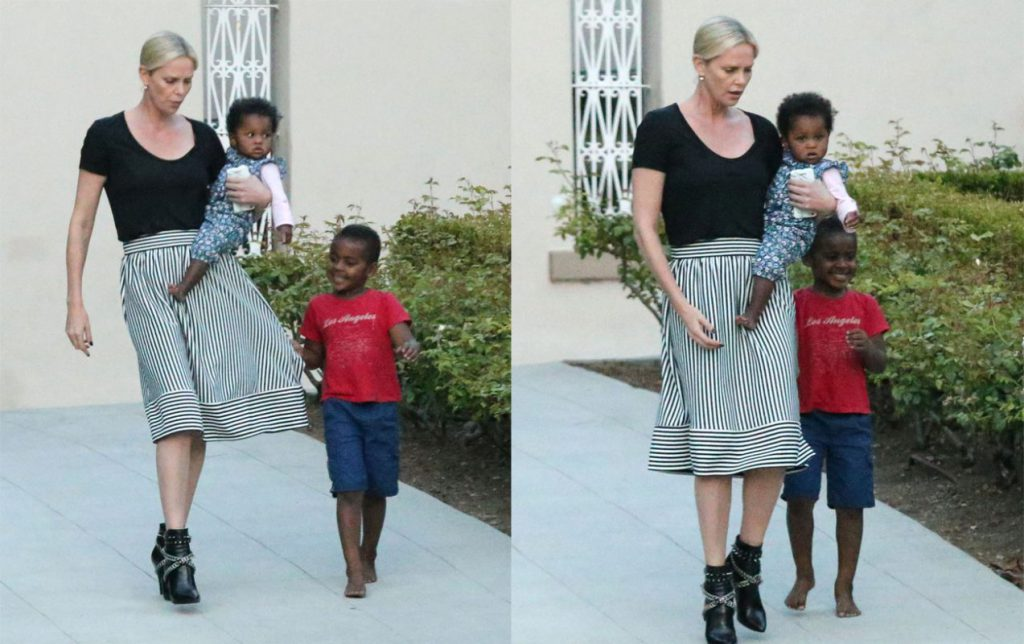 Шарлиз Терон с детьми