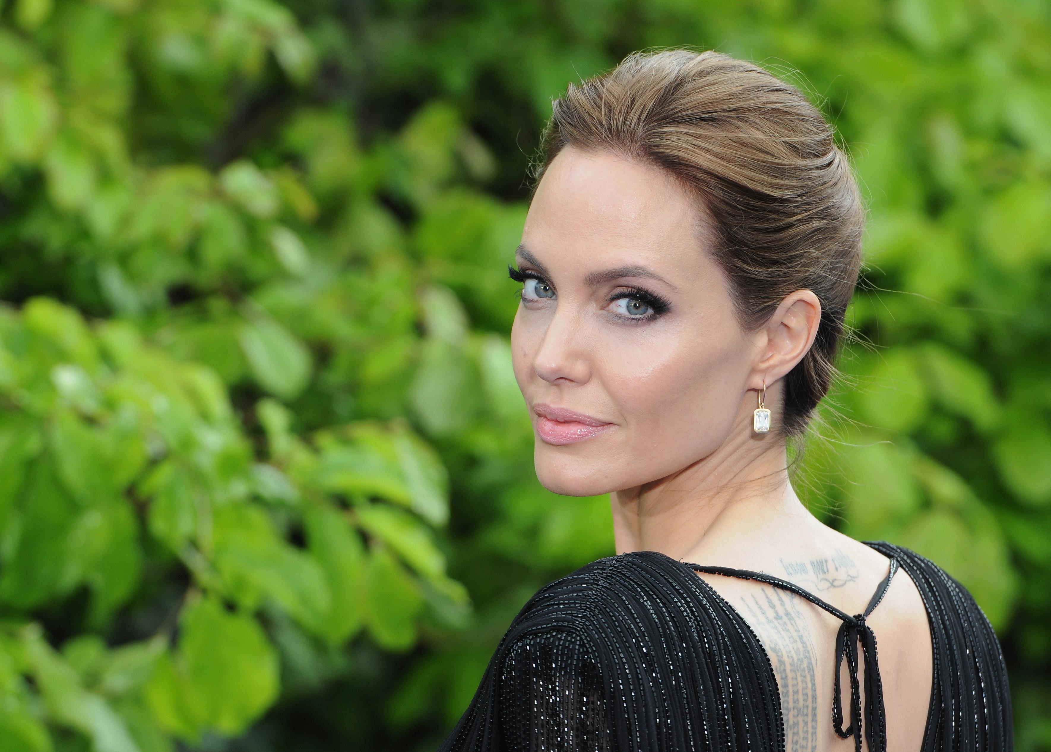 Анджелина Джоли развод