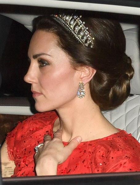 кейт миддлтон в тиаре принцессы дианы