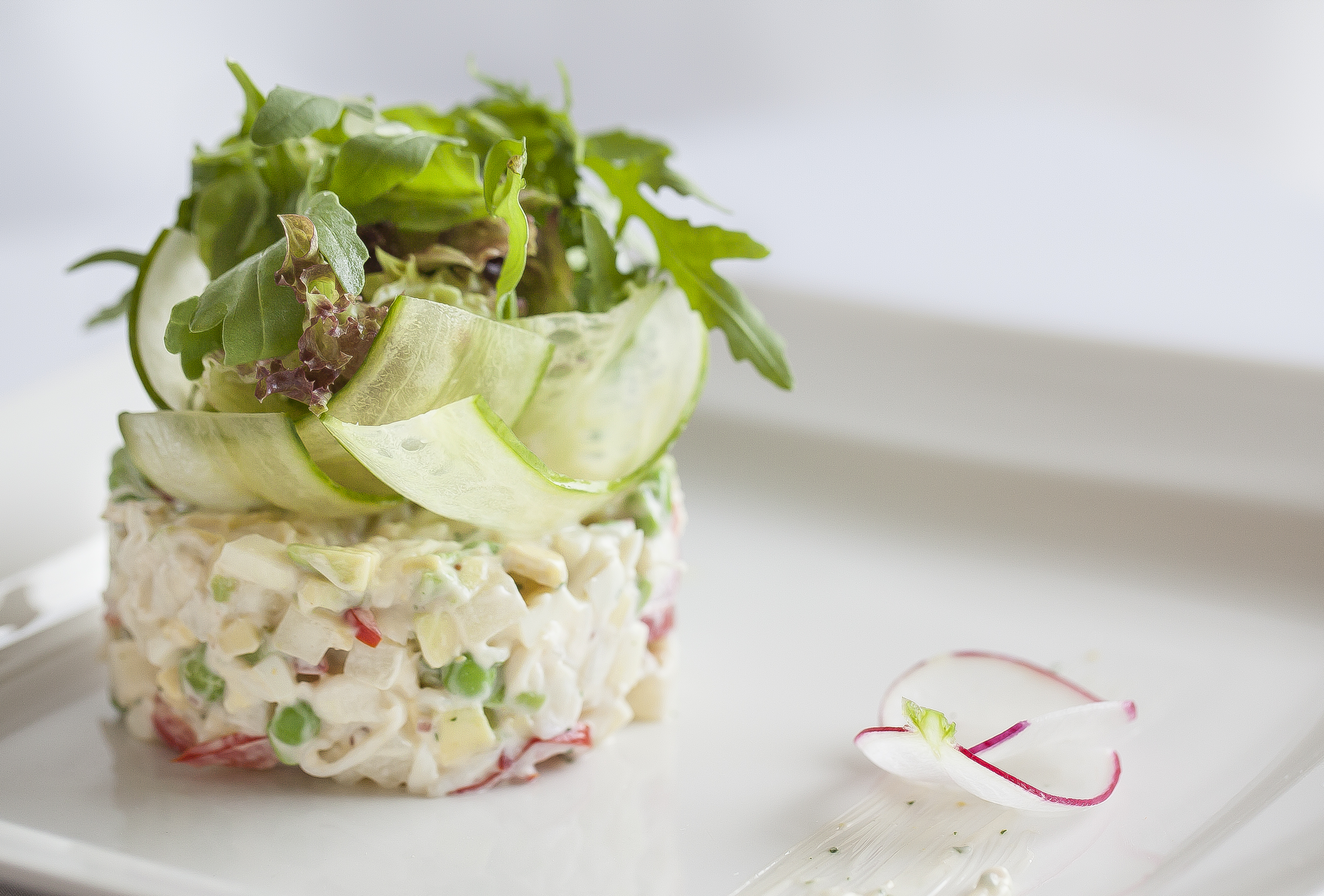 полезный салат. оливье с крабом