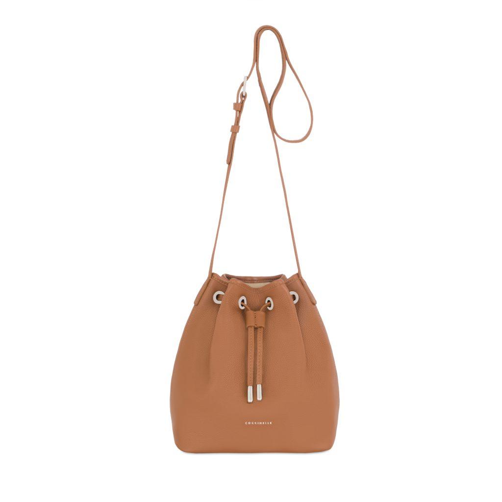 9 вопрос (16:00). Подарок:  сумка Coccinelle (шоурум «Ли-Лу»)