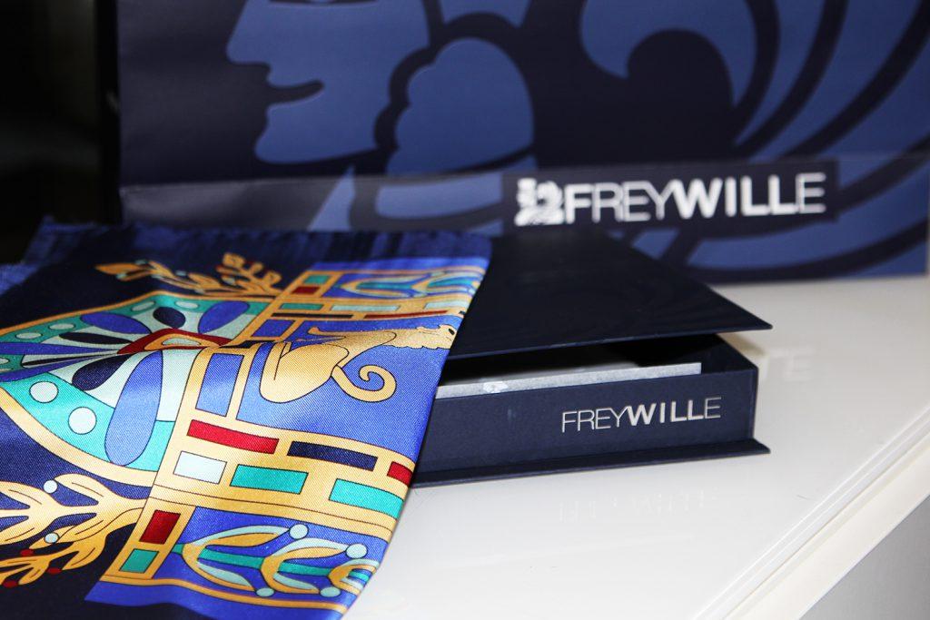 4 вопрос (11:00). Подарок: элегантный платок FREYWILLE
