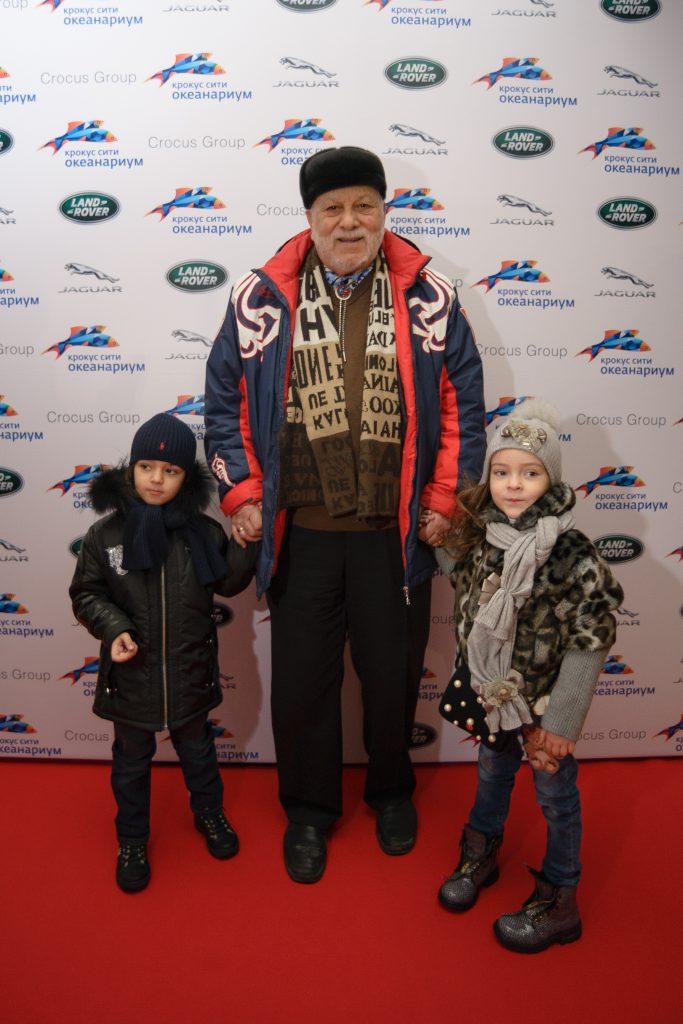 Бедрос Киркоров с внуками Мартином и Аллой-Викторией