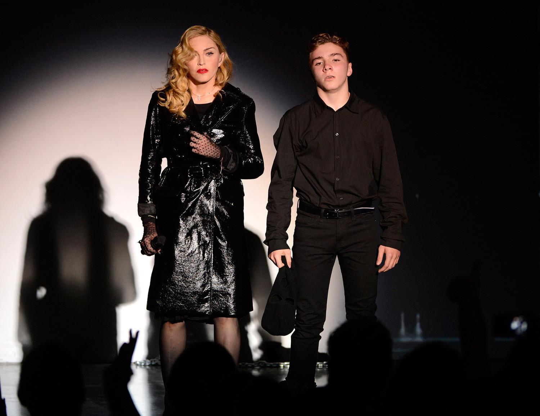 Мадонна с сыном Роко Ричи