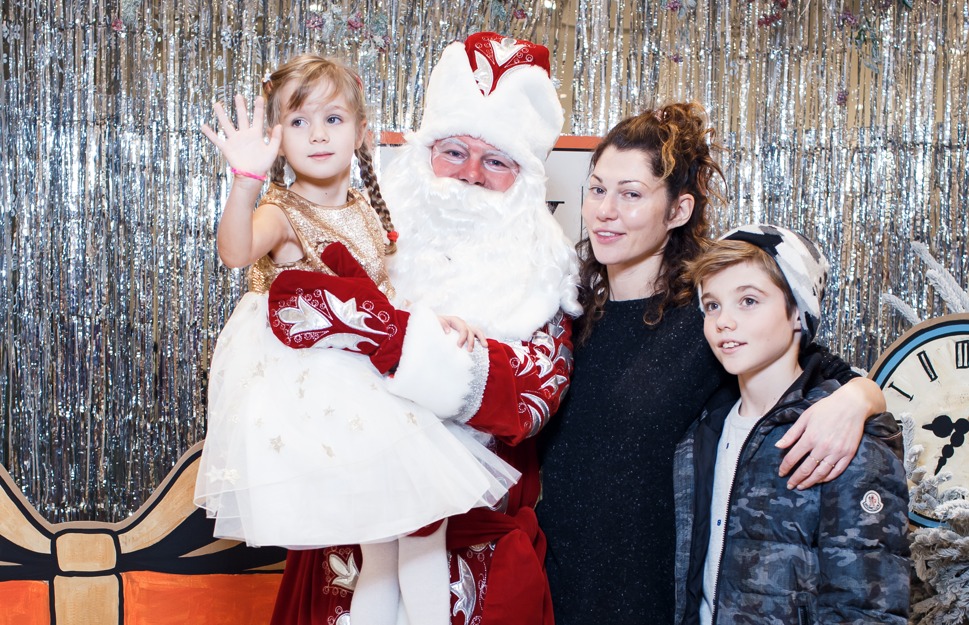 Евгения Линович с дочерью Алиной и сыном Борисом