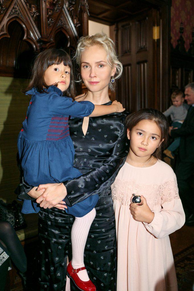 Ольга Карпуть с детьми
