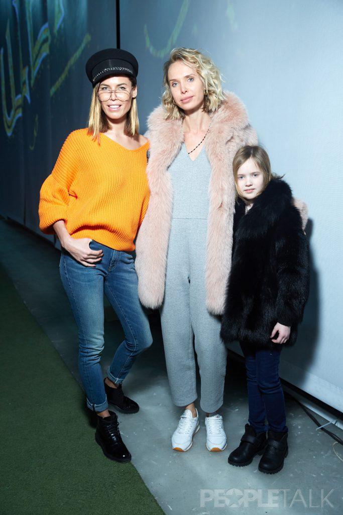 Ксения Лукаш и Илона Столье с дочерью Мишель