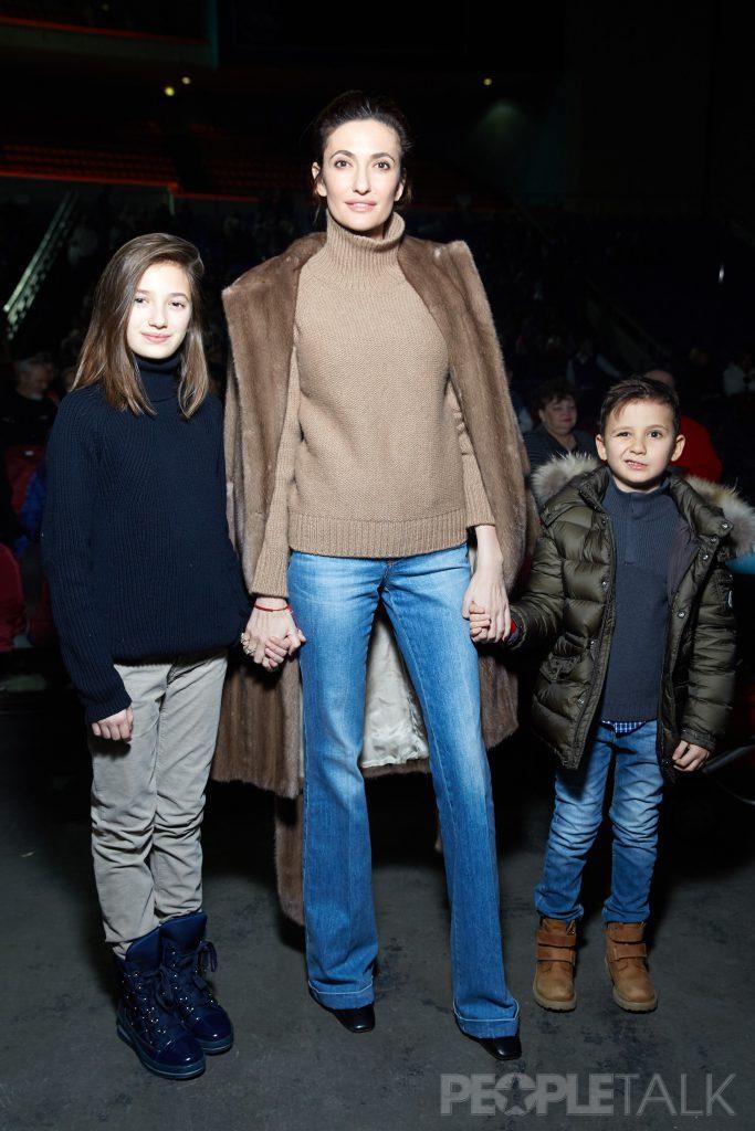 Снежана Георгиева с дочерью Софьей и сыном Георгием