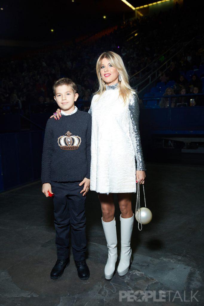 Оксана Максимова с сыном