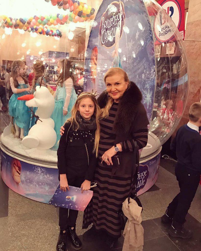 Наталья Чистякова-Ионова с мамой и дочкой ходила на «Волшебное созвездие»