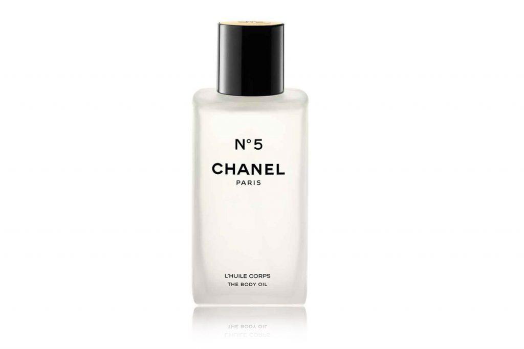 Масло для тела № 5, Chanel, цена по запросу. Ухаживает лучше любого мужчины.