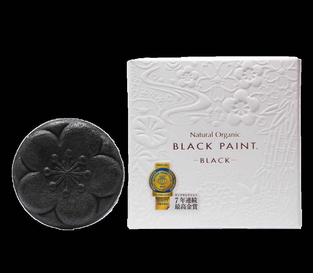 Черное мыло Black Paint, цена по запросу. Потому что оно необычного цвета – черного!