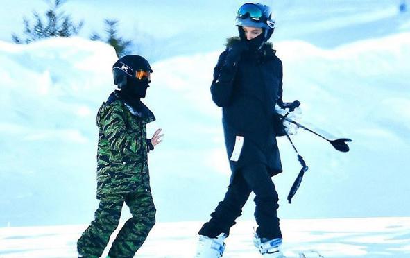 Анджелина Джоли с сыном Ноксом