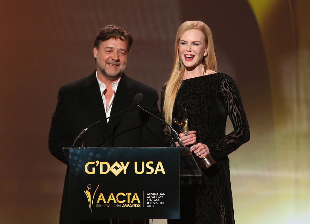 LOS ANGELES, CA - JANUARY 31: Actor Russell Crowe accepts an award from host Nicole Kidman onstage during the 2015 G'Day USA GALA featuring the AACTA International Awards presented by QANTAS at Hollywood Palladium on January 31, 2015 in Los Angeles, California. (Photo by Jonathan Leibson/Getty Images for AACTA)