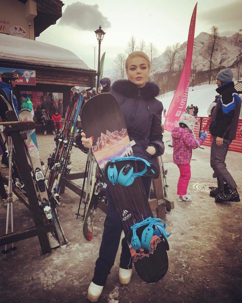 Алина Гросу училась кататься на сноуборде
