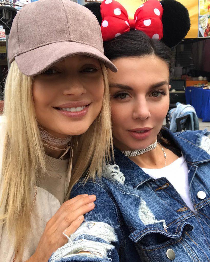 Анна Седокова с Натальей Рудовой отдыхают в Лос-Анджелесе
