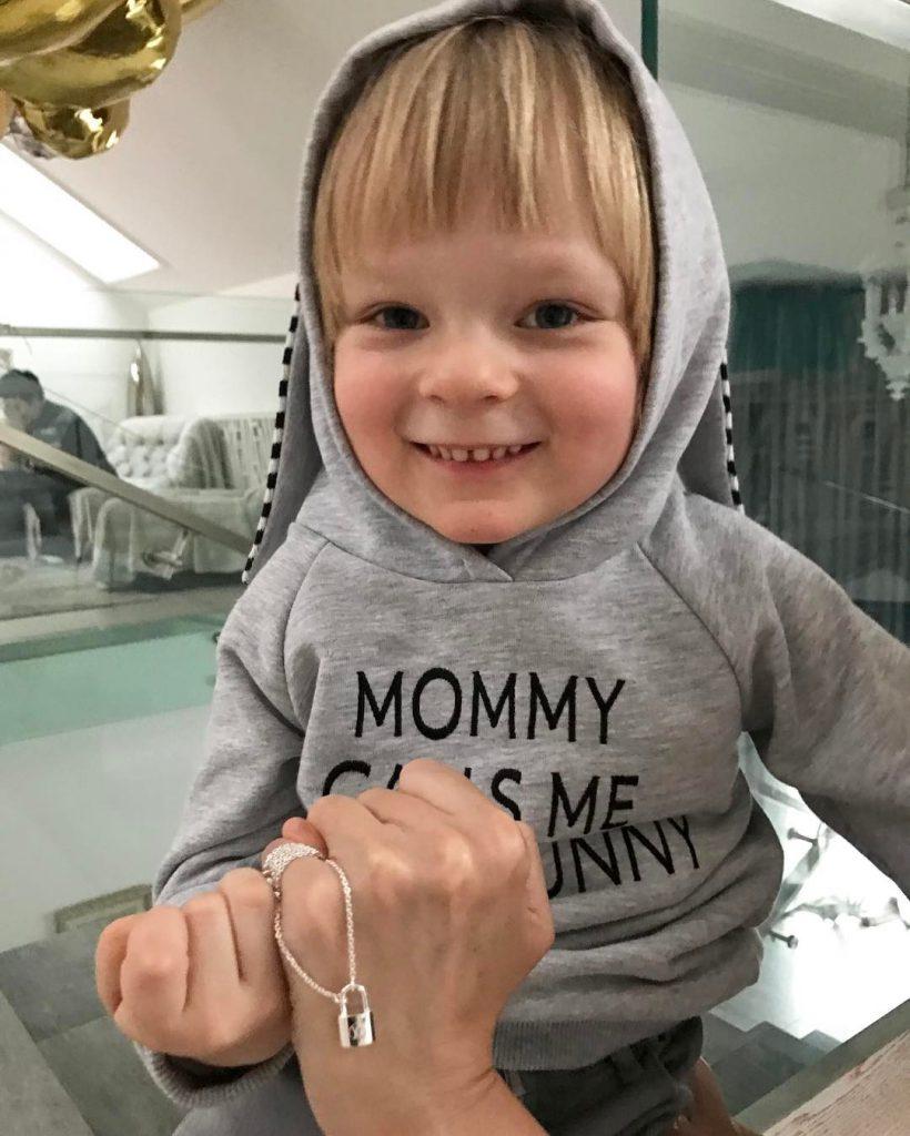Яна Рудковская присоединилась к кампании Louis Vuitton и UNICEF #makeapromise
