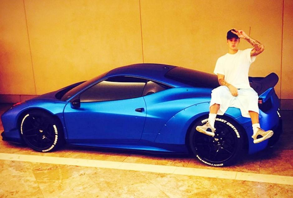 Джастин Бибер Ferrari